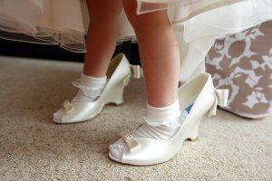 Flowergirl in Brides Shoes.
