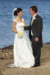 Bride & Groom my lakeshore, beautiful wedding photography.